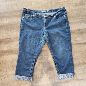 Seven7 Capri Jeans with floral cuffs Sz 22